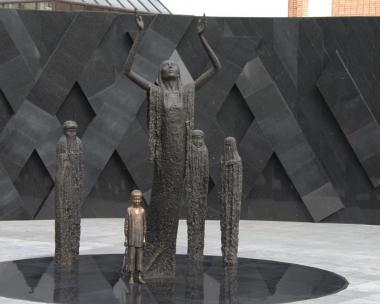 Памятник_голодомору_в_Казахстане