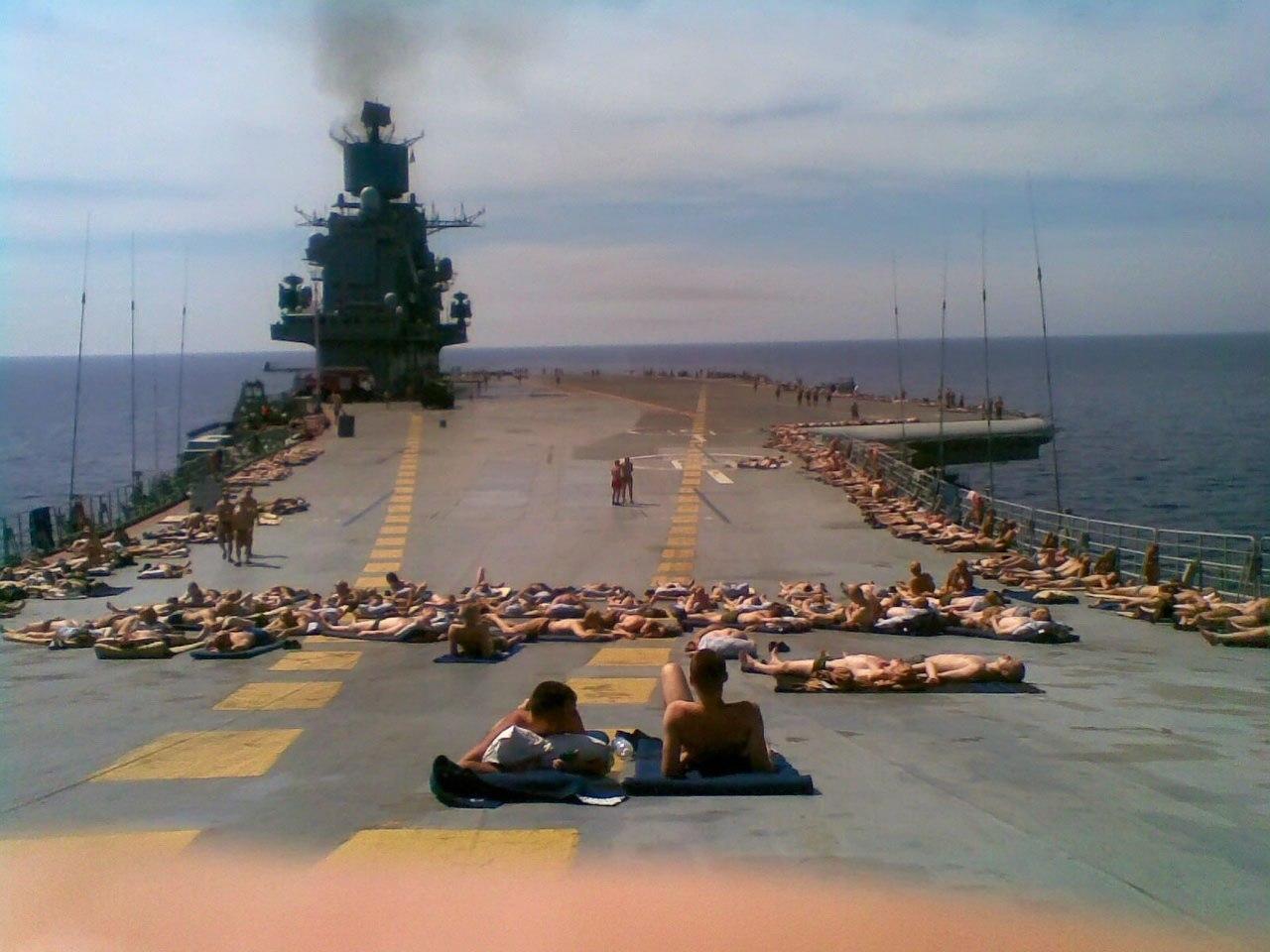 авианосец-Я-Ватник-политика-песочница-политоты-1564340